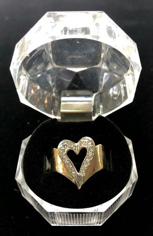 14 Karat Gold Heart Ring with Diamonds for Sale in Kissimmee, FL