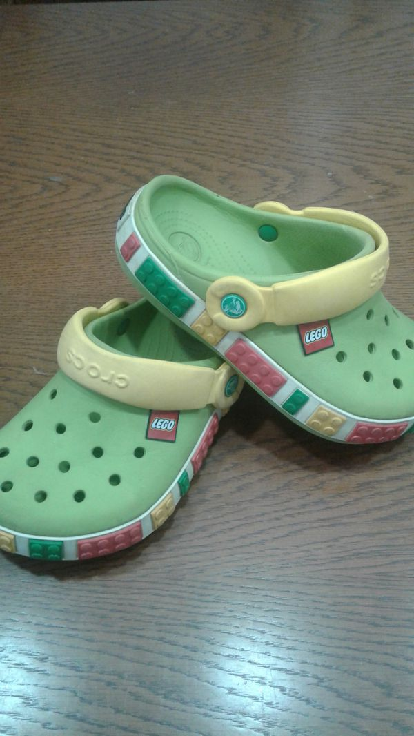 a41c0b381f0e LEGO Crocs Boys size 1 for Sale in Bellingham