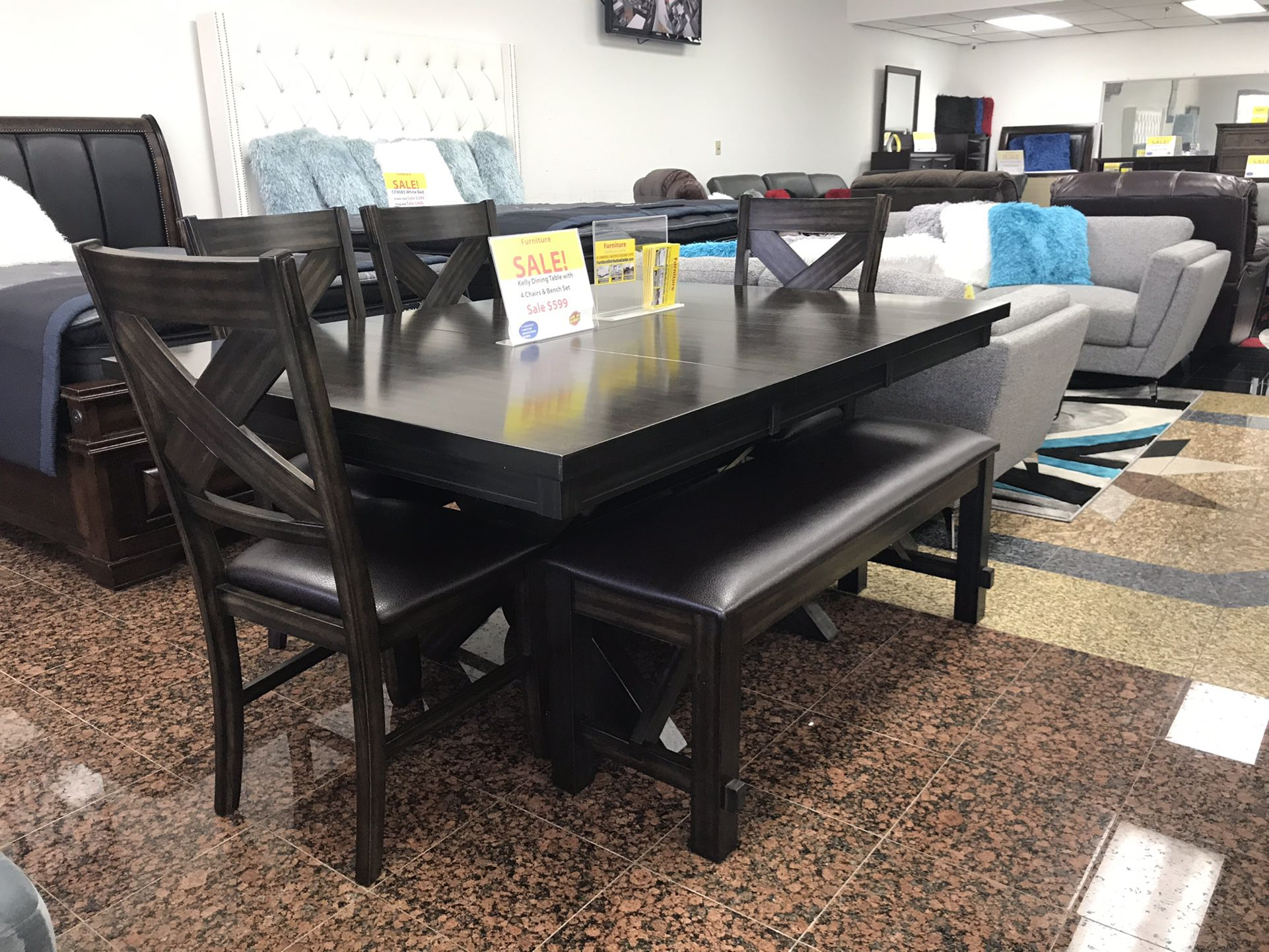 DINNING TABLE WITH 4 CHAIRS AND 1 BENCH..
