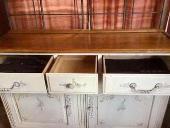 Ethan Allen Furniture (80% Off) Thumbnail