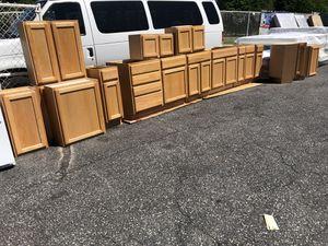 Set. De gabinetes 18 piezas for Sale in Hyattsville, MD