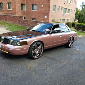 2006 crown Victoria P71 for Sale in Forest Heights, MD