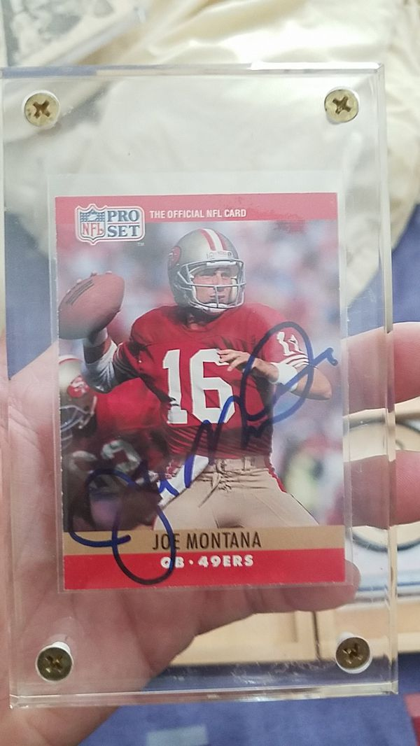 low priced 513b0 0922b Joe Montana autographed football card for Sale in Arlington Heights, IL -  OfferUp