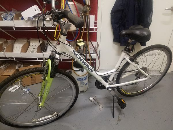 Schwinn Trailway women's hybrid bike for Sale in Arlington, VA - OfferUp