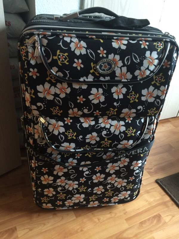 New Movera Hawaii Hawaiian Print 33 Quot Luggage Tote For Sale In Federal Way Wa Offerup