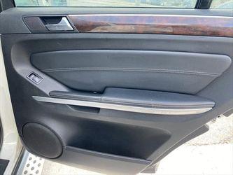 2011 Mercedes-Benz GL-Class Thumbnail