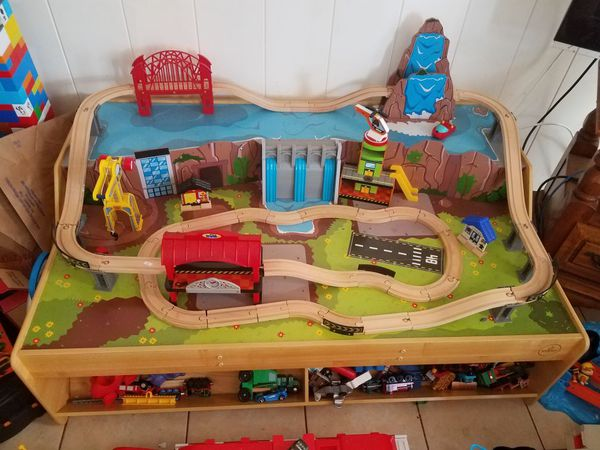 Grand Central Station Train Set & Table - Kidkraft (18007) for Sale ...