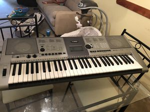 Yamaha keyboard $45 (model ypt- 400) for Sale in Kissimmee, FL