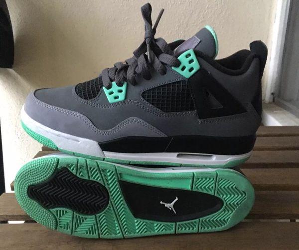 hot sale online ffc7a df4a3 Nike air Jordan Retro 4 green glow size youth 5