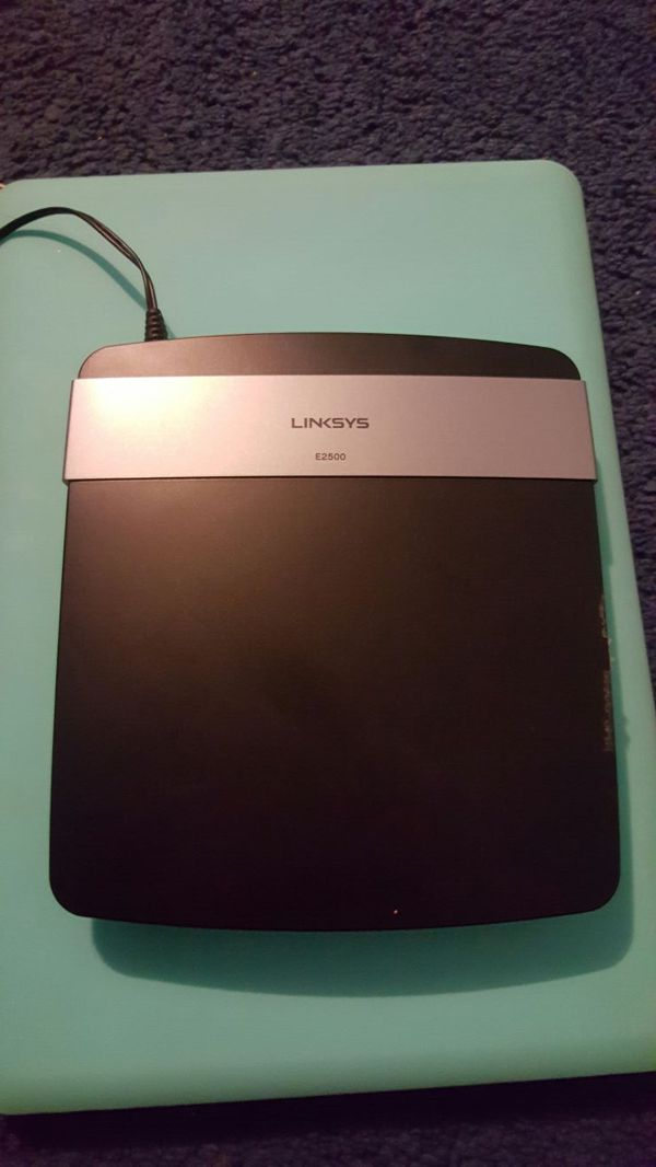 Linksys E2500 Router for modem for Sale in Houston, TX - OfferUp