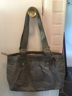 COACH bag for Sale in Frederick, MD