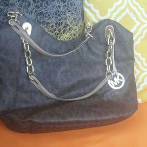 Authentic Michael Kors handbag for Sale in Ashburn, VA