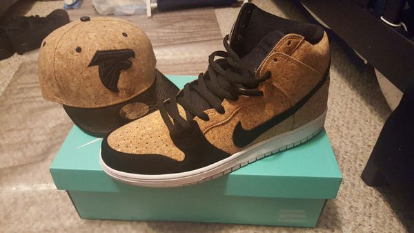e930413beb1 NEW  Nike Cork Dunks and matching Falcons Hat for Sale in Jonesboro ...