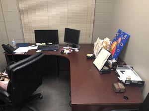 L shape office desk for Sale in Atlanta, GA