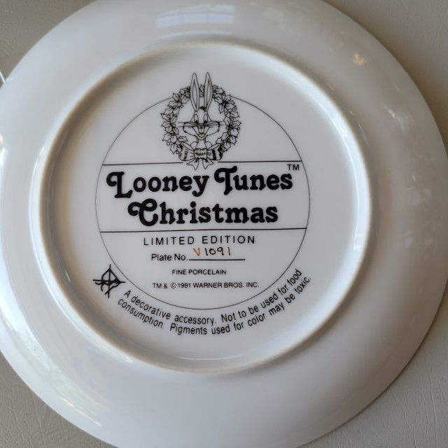 Looney Tunes Collector's Plate