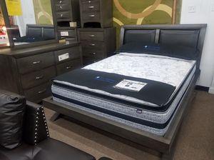 Grey color queen size complete platform bedroom set for Sale in Takoma Park, MD