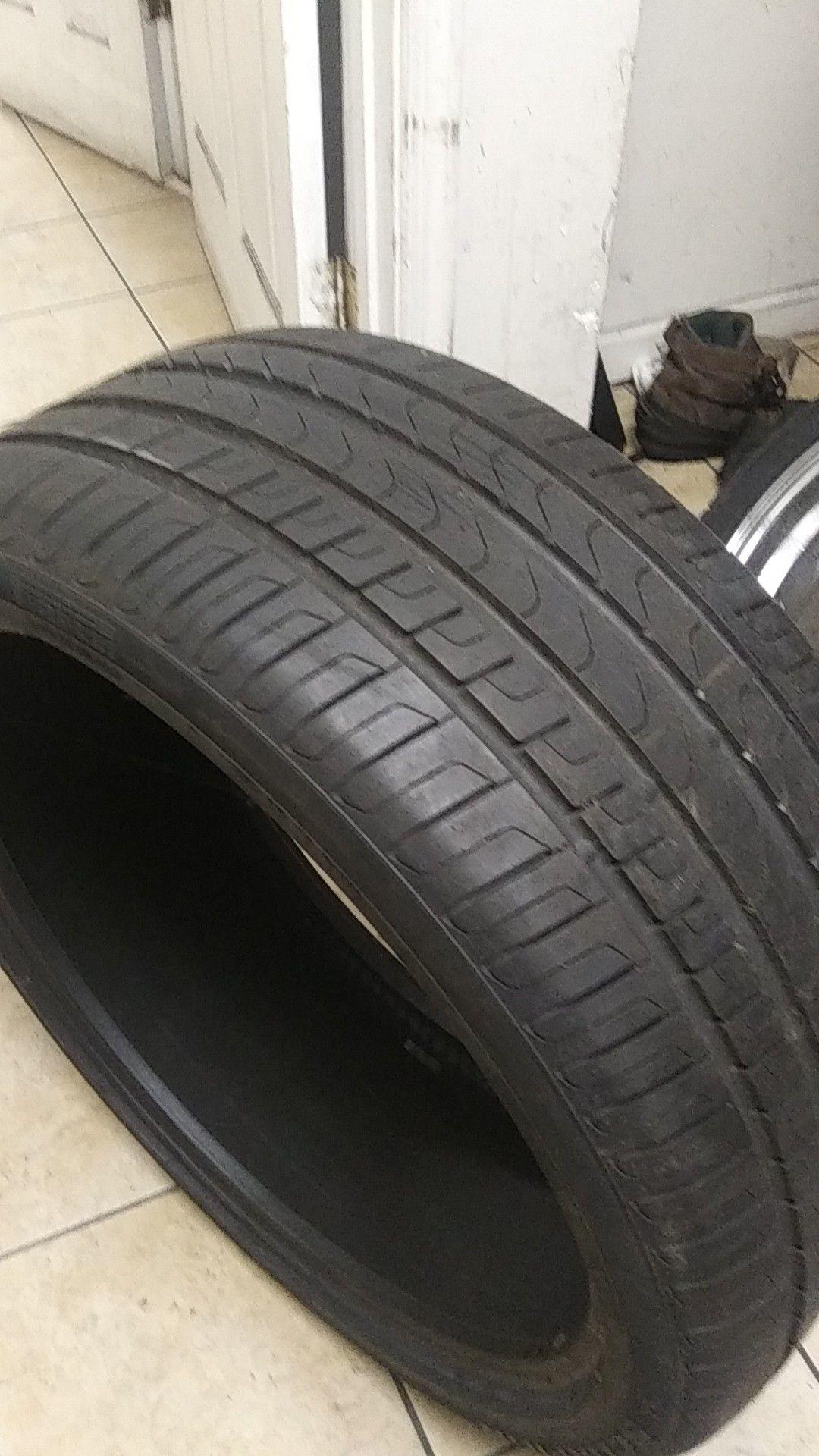 1 use tire Pirelli scorpion 275/35/22
