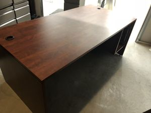 Office desk for Sale in Lake Worth, FL