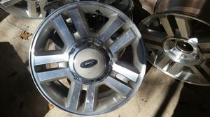 Photo Ford 18 Truck Rims , 6 hole, with center caps & lugs