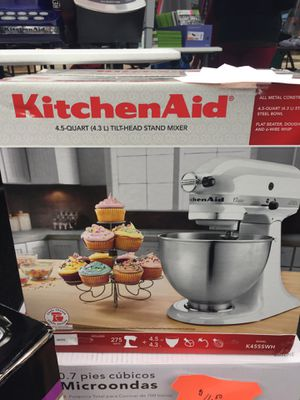 KITCHENAID MIXER BRAND NEW for Sale in Riverdale Park, MD