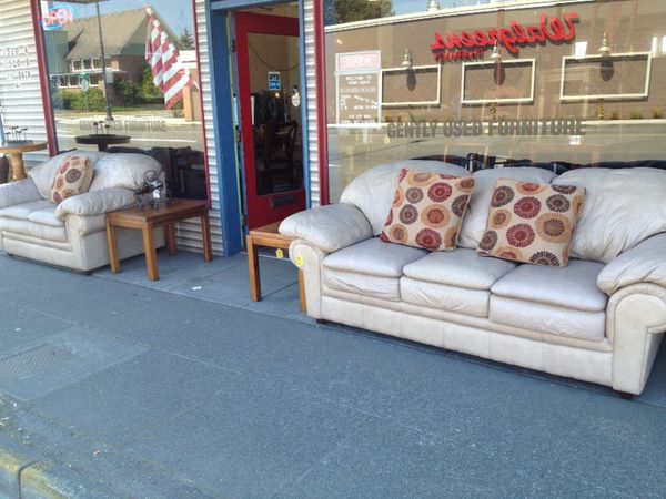 Real Leather Matching Sofa And Loveseat For Sale In Marysville Wa