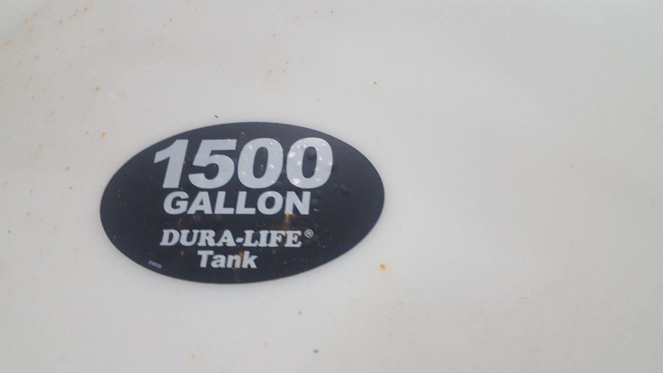 1500 GALLON LIQUID STORAGE TANKS BRAND NEW WATER STORAGE TANK