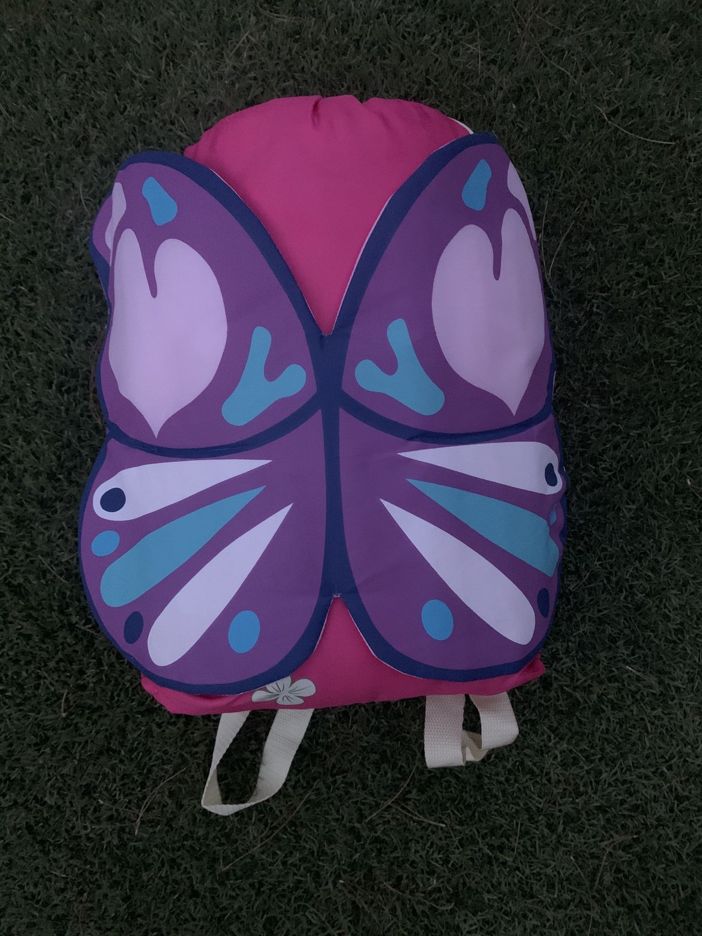 GIRLS BUTTERFLY SLEEPING BAG 2 FT IN X 4 FT 7 IN Like New - just used once. Comes with backpack. Feel free to message me.
