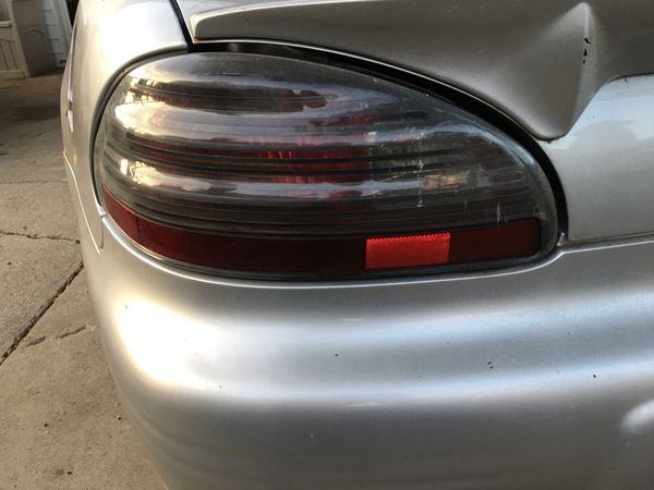 03 Grand Prix Drivers Side Tail Light Taillights Driver