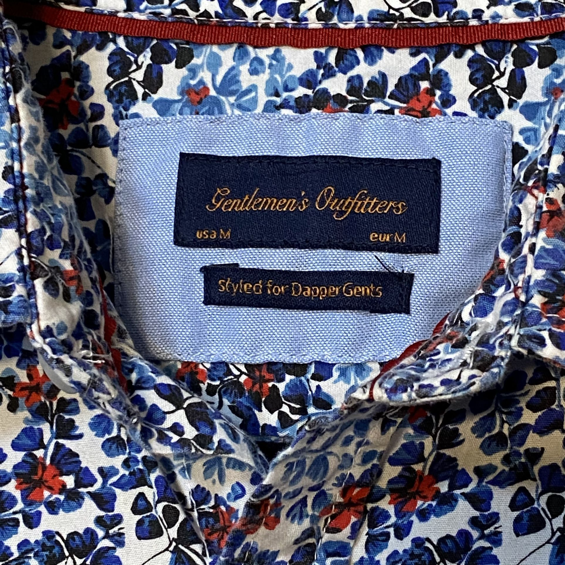 Gentleman's Outfitters Red/White/Blue Floral Button Down Shirt Size M