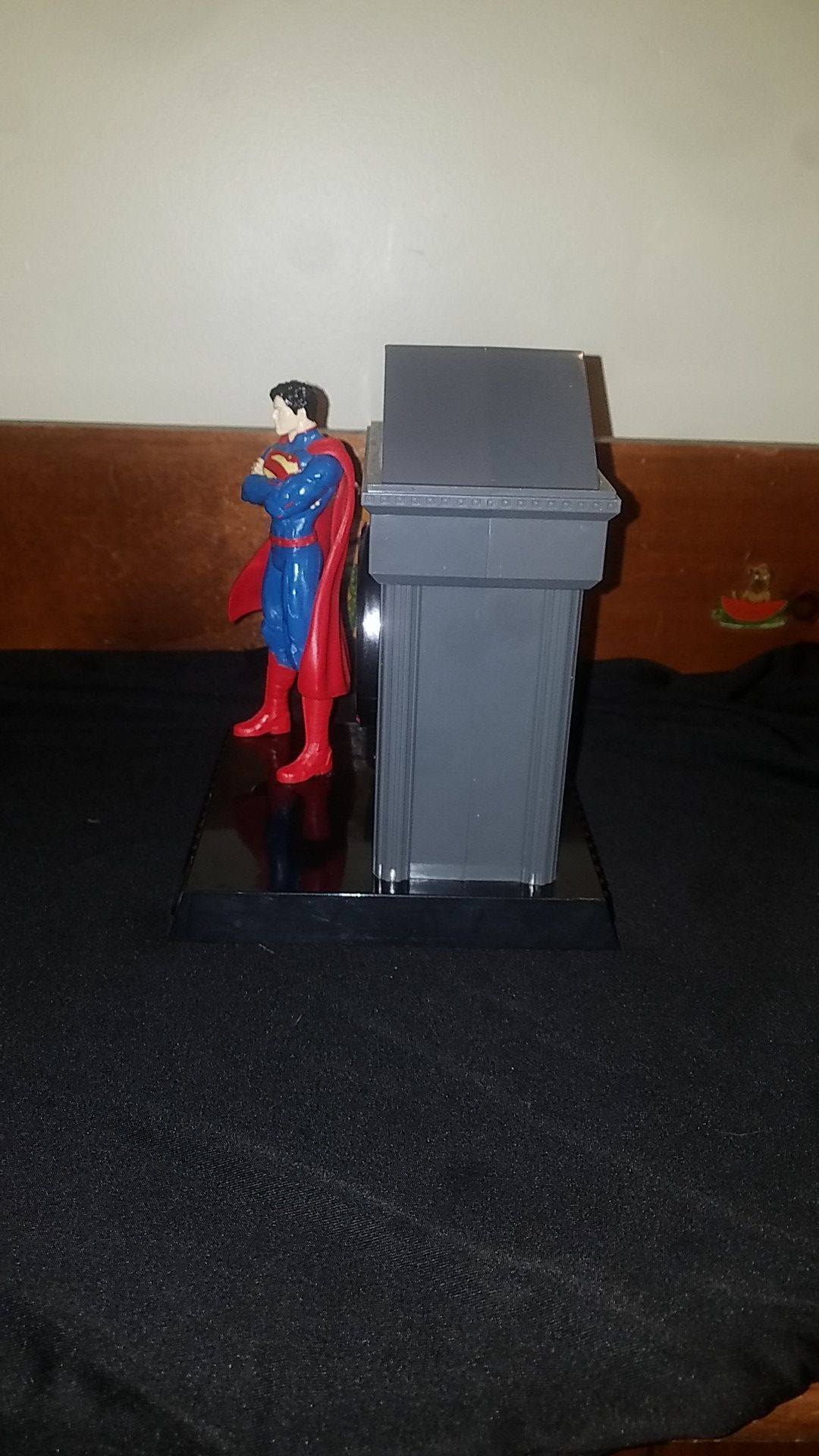 Justice League , Superman Bank and clock