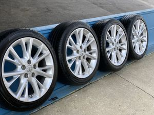 Photo 2014 nice rims with tires  run flat for Toyota Lexus size 225/45R18)$650