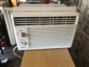 Goldstar ac air condition. Very nice. Works perfect. for Sale in Renton, WA