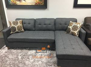Brand New Grey Linen Sectional Sofa Couch + 2 Accent Pillows for Sale in Silver Spring, MD