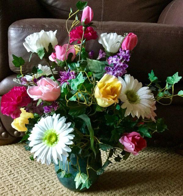 Beautiful silk spring mix flower arrangement household in beautiful silk spring mix flower arrangement household in fullerton ca offerup mightylinksfo