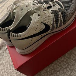 Nike TWs Thumbnail