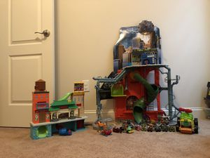 Teenage Mutant Ninja Turtle Toys - Lair Playset and additional accessories for Sale in Clarksburg, MD