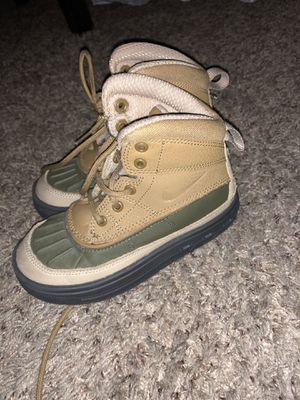 Nike boots 11.5c toddler for Sale in Oakland, CA