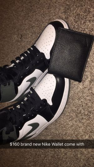 Air Jordan retro 1 come wit Nike Wallet for Sale in Lebanon, TN