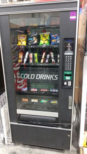 Combo vending machine fully working for Sale in Montgomery Village, MD