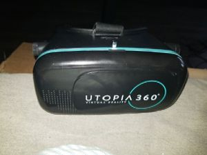 VR headset. for Sale in Los Angeles, CA