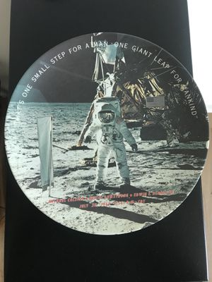 1982 moon landing plate for Sale in Miami, FL