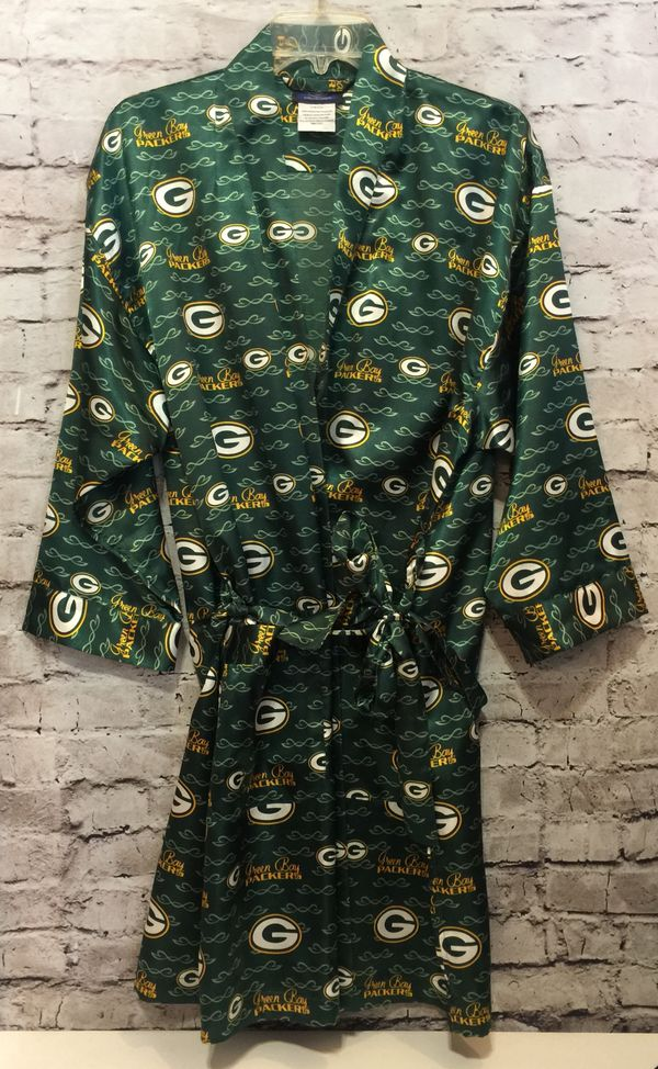 new arrival 7d6b6 39ac8 Very nice Women's Green Bay PACKERS Robe! for Sale in Green Bay, WI -  OfferUp