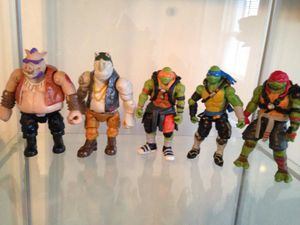 Lot of 2015 tmnt action figures Ninja Turtle toys for Sale in Baltimore, MD