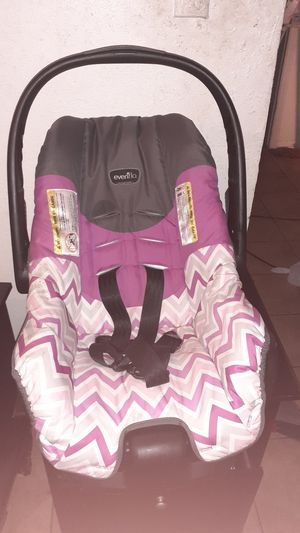 Photo Evenflo car seat