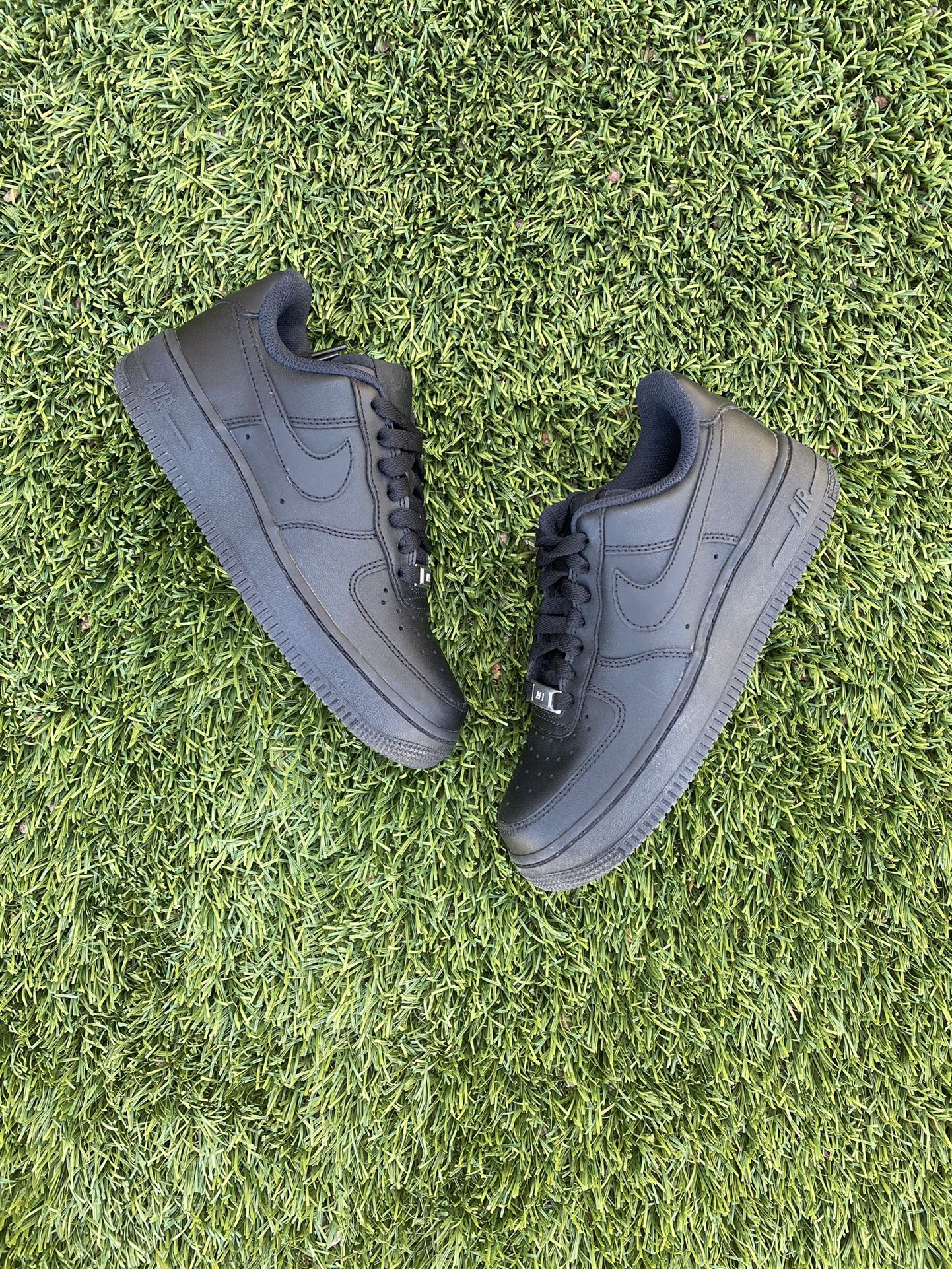 Nike Black Air Force 1 Size 6.5 WOMENS