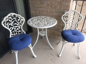 Patio table and chairs with cushions for Sale in Arlington, VA