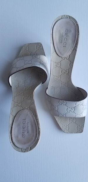 Gucci Bone white Leather shoes size 6 1/2 for Sale in Laguna Niguel, CA