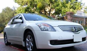 2OO8 Nissan Altima 2.5 S for Sale in Houston, TX