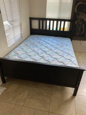 Photo Ikea queen bed