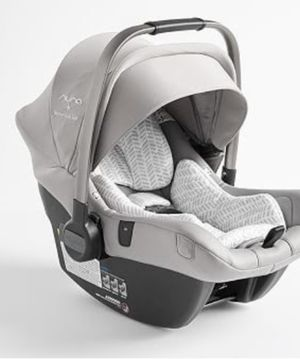 Photo Nuna pippa lite x pottery barn car seat